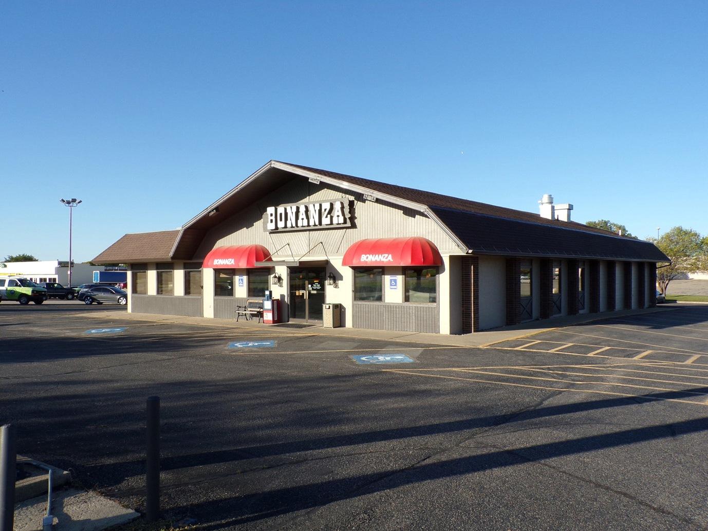 PENDING! Restaurant/Retail Bldg on US 81