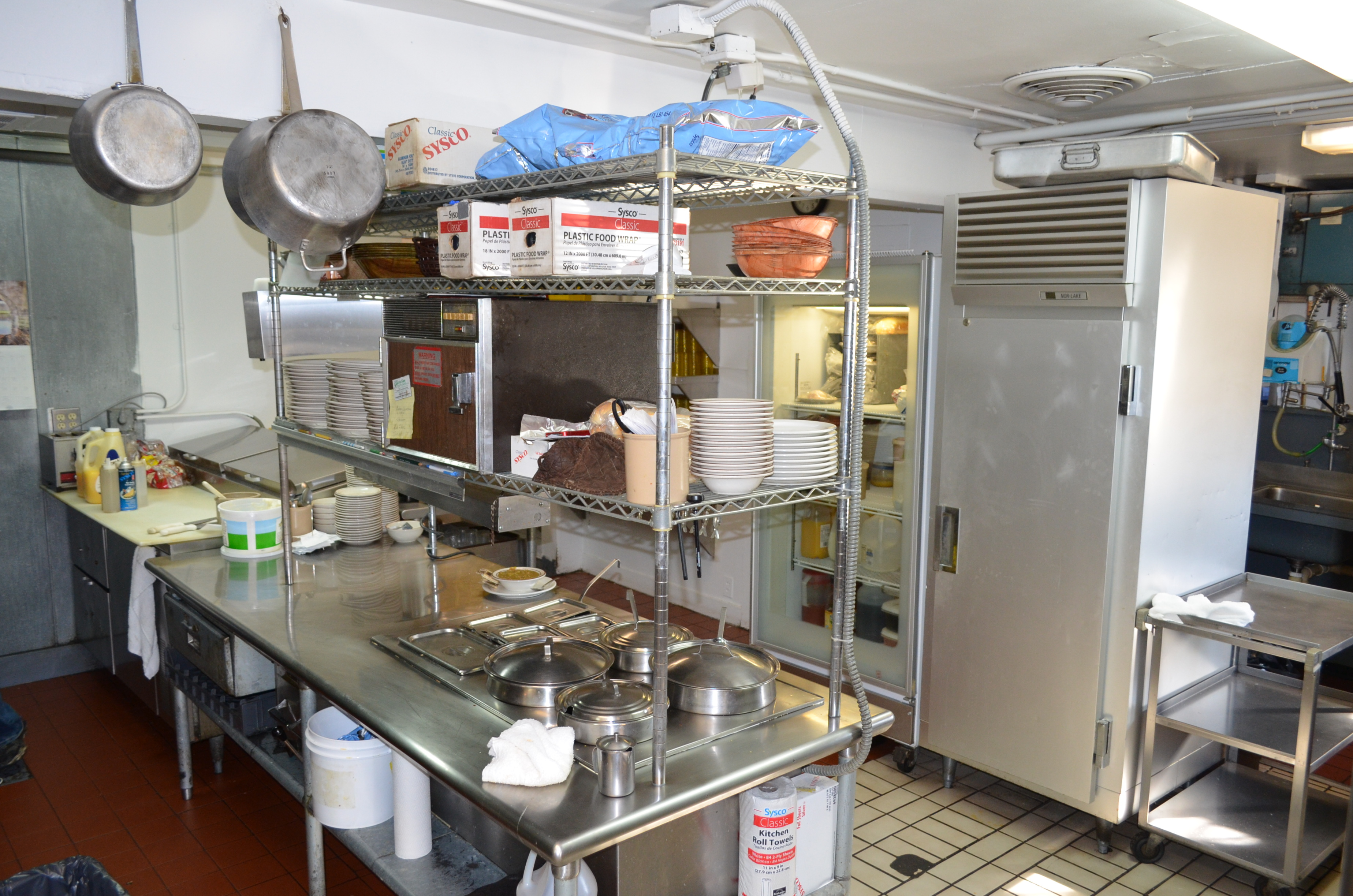 PRICE REDUCED! Spotlite Cafe - Close Converse