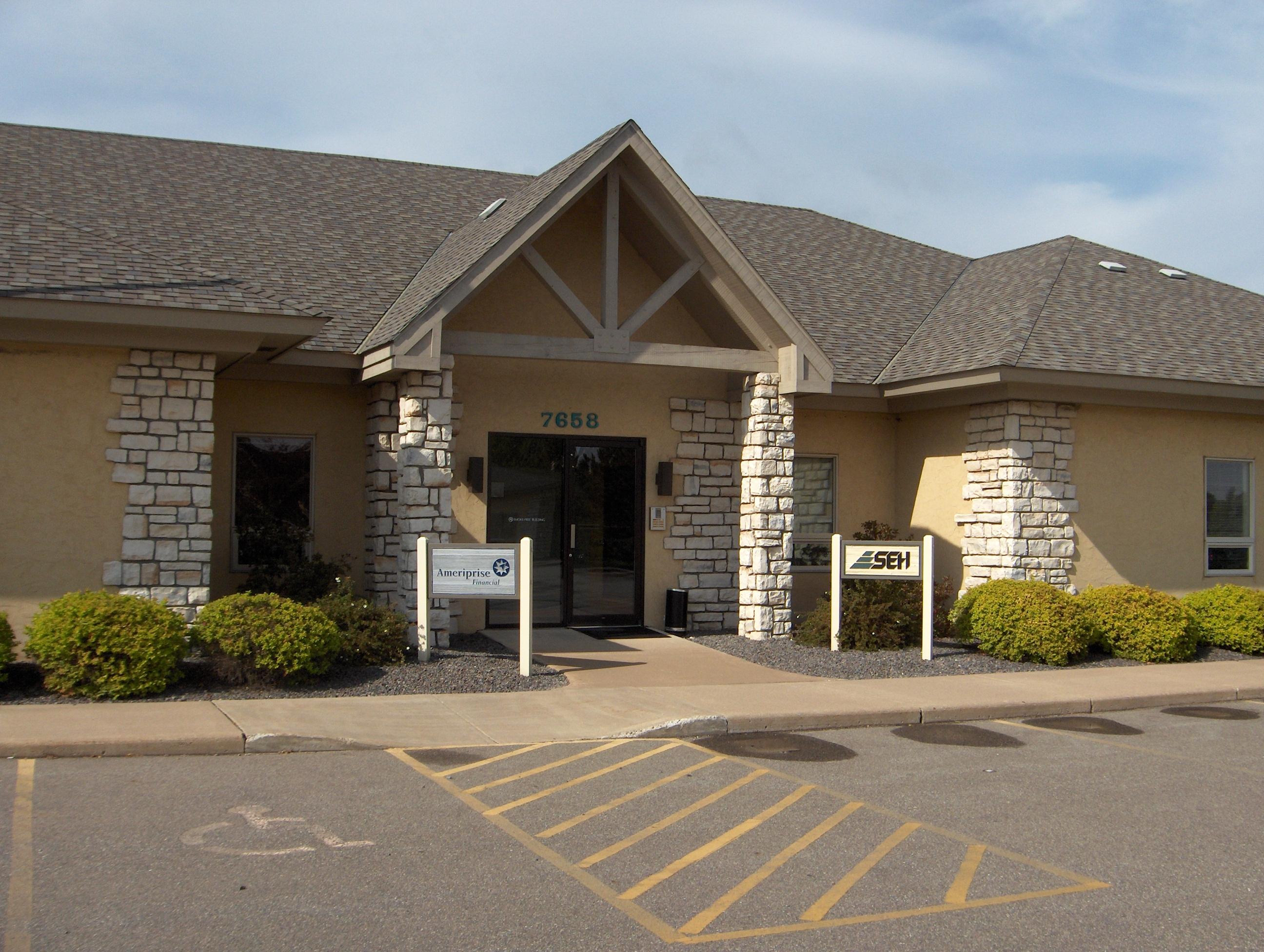 Design Drive Professional Court (Bldg 7658 Ste 100)