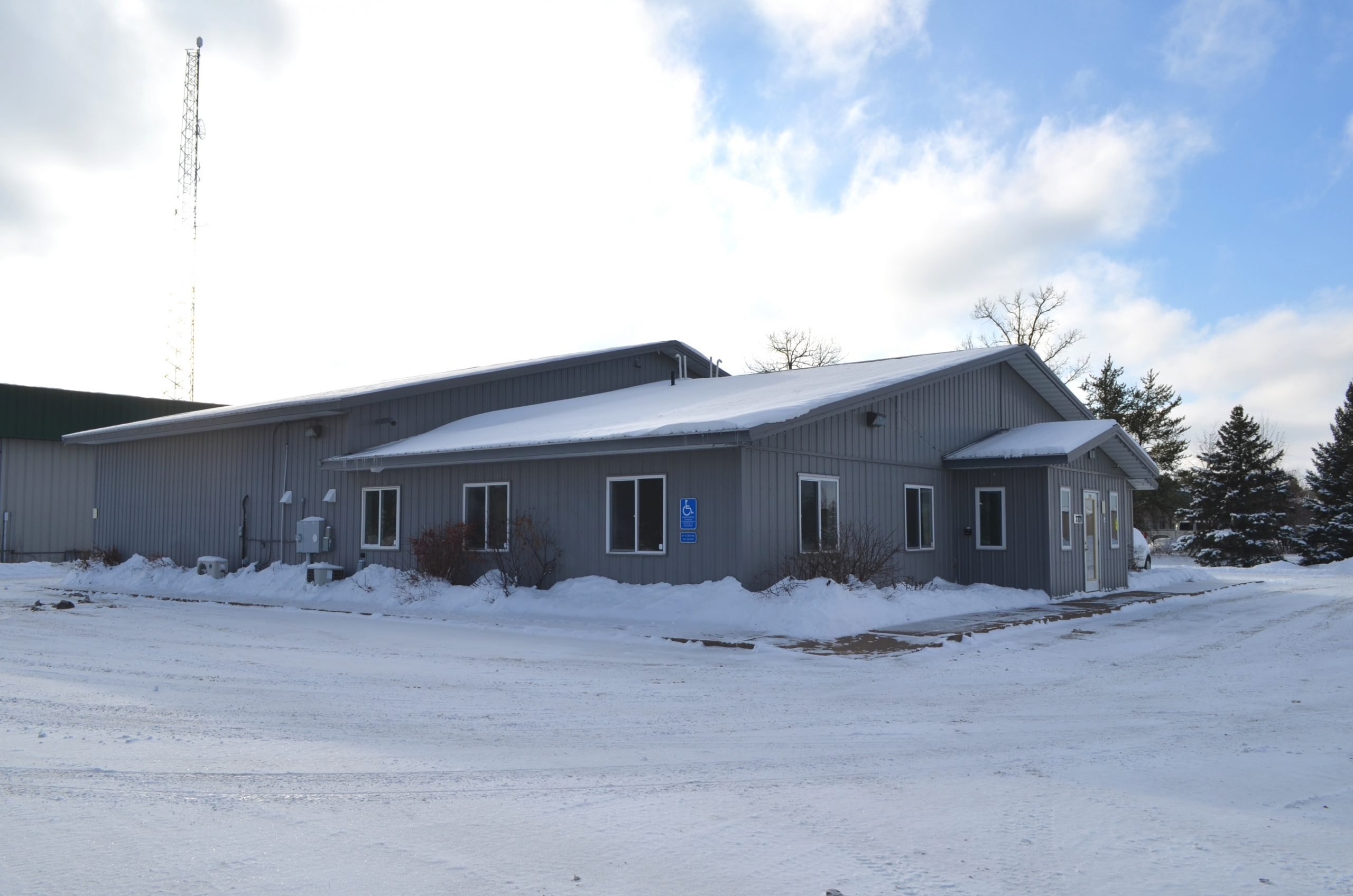 Baxter Office/Industrial For Lease (East Half)