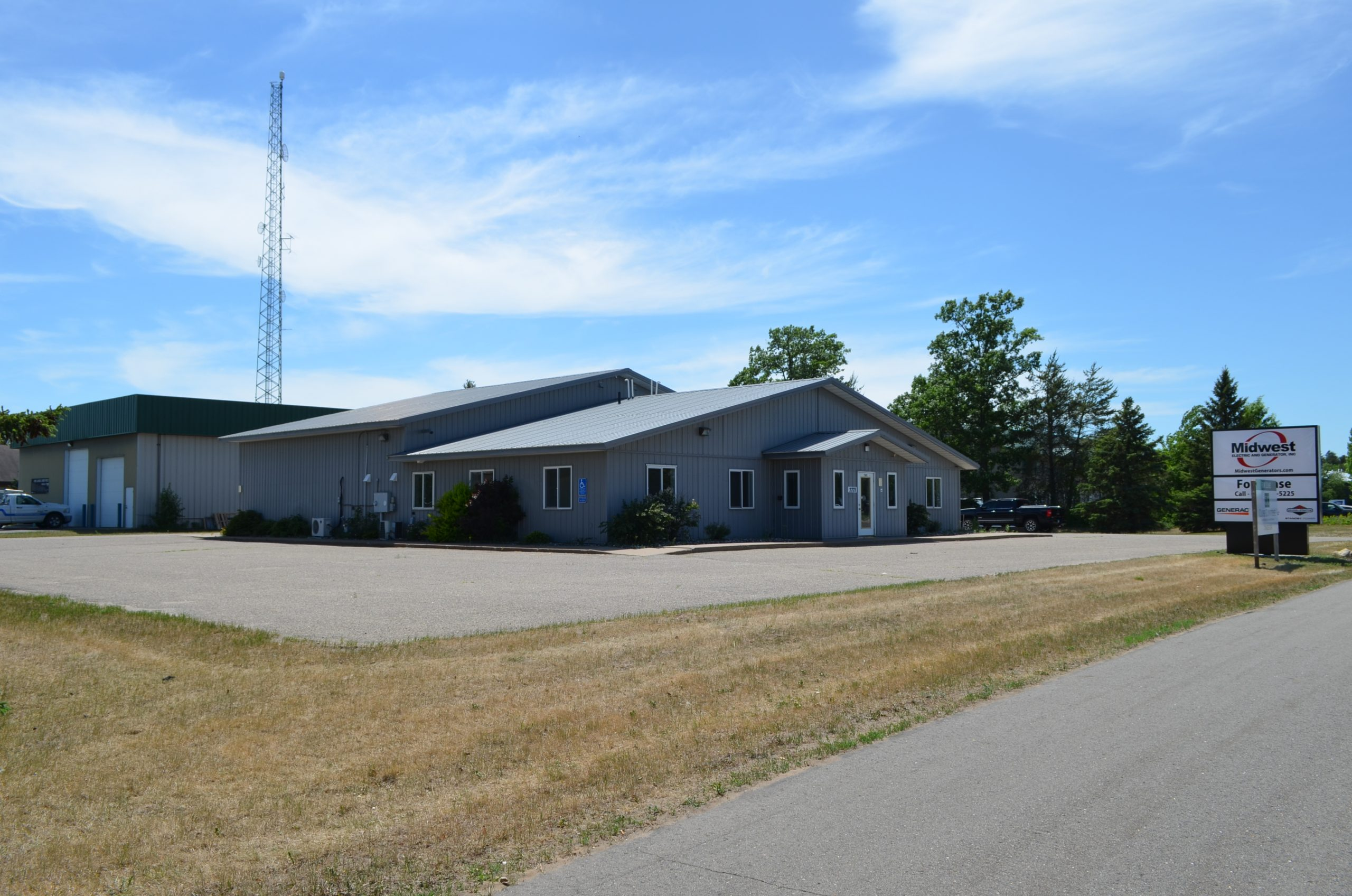 LEASED! Baxter Office/Industrial For Lease (East Half)